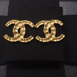 CHANEL Jewelry - Classical Chanel CC Logo Gold Earrings.